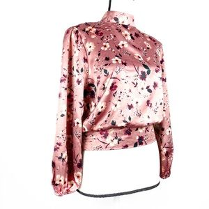LILY WHITE Pink Floral Mock Neck Crop Blouse M